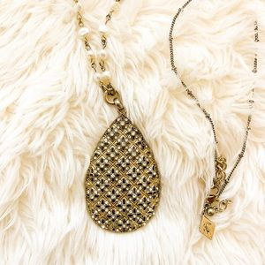 Jewelry - Bloomingdales Pendant Necklace